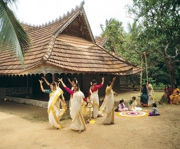 Kerela Women Dancing