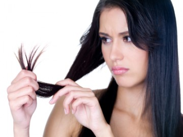 6 Tips to Tame Unmanageable Frizzy Hair This Monsoon