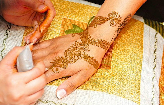 16 Beautiful Arabic Mehandi Designs For Any Occasion