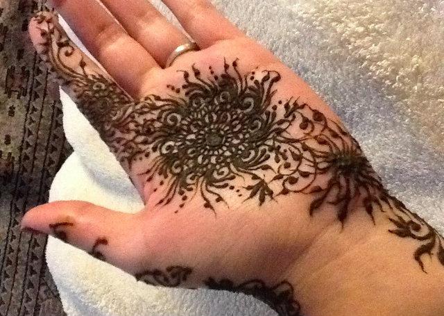 Flower Motif Arabic Mehandi Design