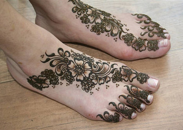 Floral Feet Arabic Mehandi Design 2014