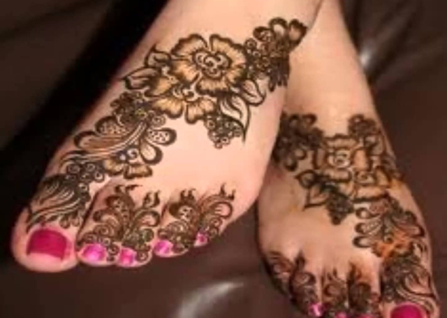 Floral Motif Feet Arabic Mehandi Design 2014