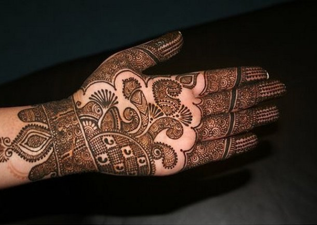 Best Arabic Mehandi Design with multiple patterns