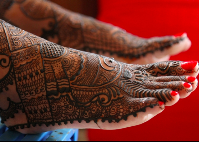 Best Arabic Mehandi Design with rich intricate patterns