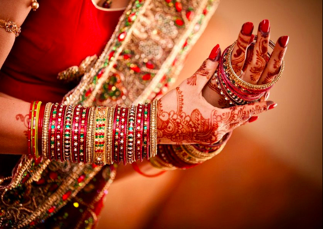 Best 16 Bridal Mehandi Designs for Hands