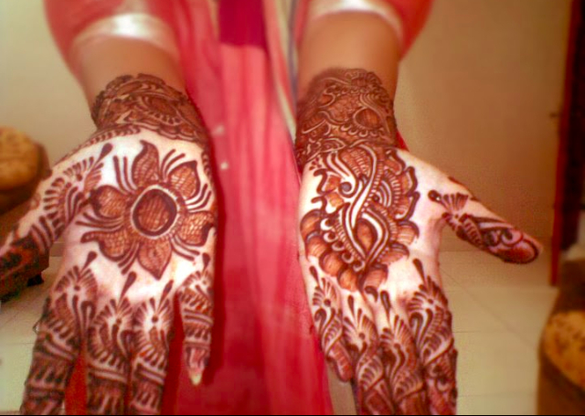 Bridal Mehandi Design with shaded flowers