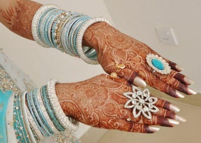 Floral Bridal Mehandi Design