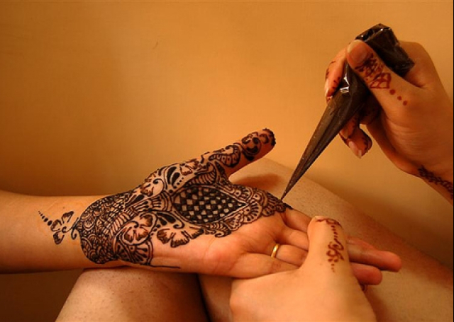 16 Latest Arabic Mehandi Designs Collected Specially For You