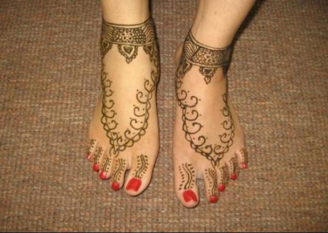 Fern motifs Mehendi designs