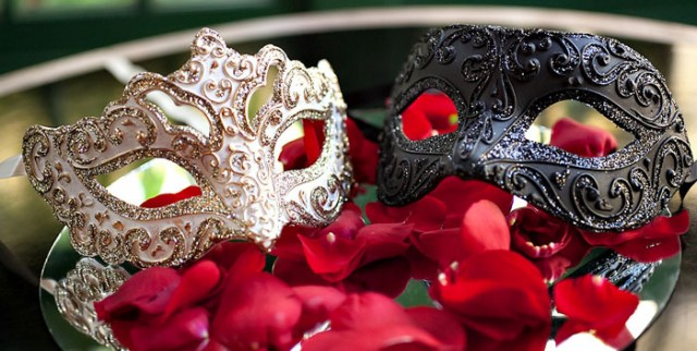 Masquerade-Kitty-Party-Theme