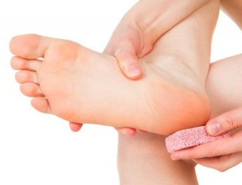 How to give yourself an At-Home Pedicure?