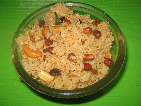 Puliyodharai | Tamarind Rice | Puliyogare
