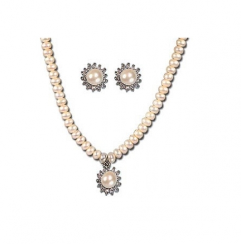 pearlneacklace_1381882830